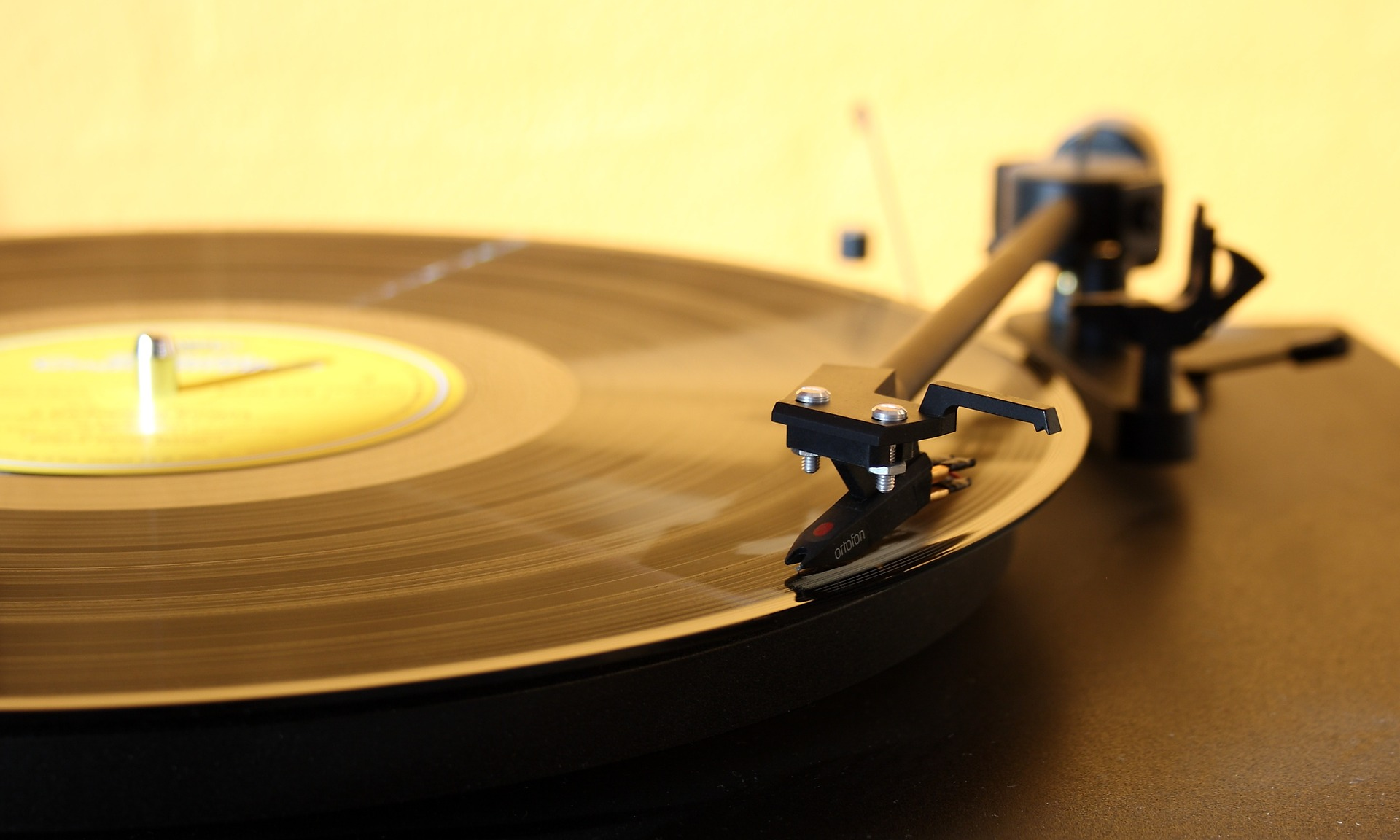 s-record-player-1224409_1920